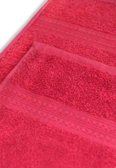Полотенце под вышивку малиновое